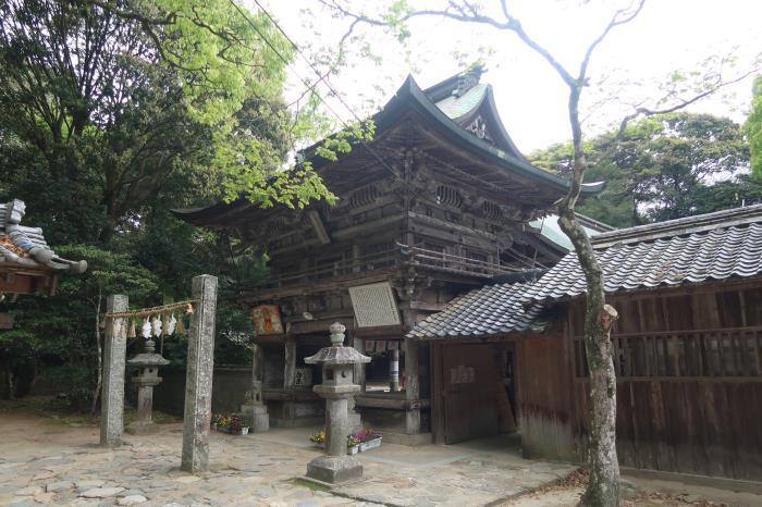 県指定 桜井神社本殿・拝殿 石橋